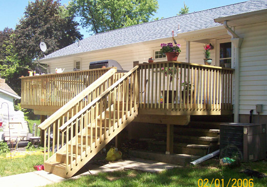 pressure-treated-wood-deck-Hampton-NJ