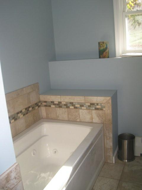 Bathtub & tile - 2