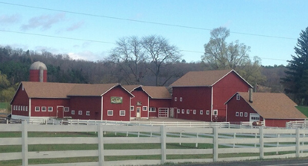 westfall-winery-westfall-farms-montague-nj-barn-gaf-shake-wood