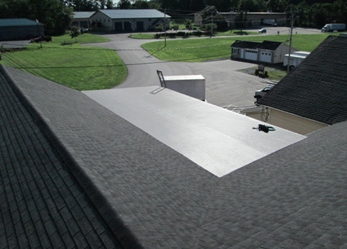 newton-charcoal-shingles-with-epdm-flat-roof
