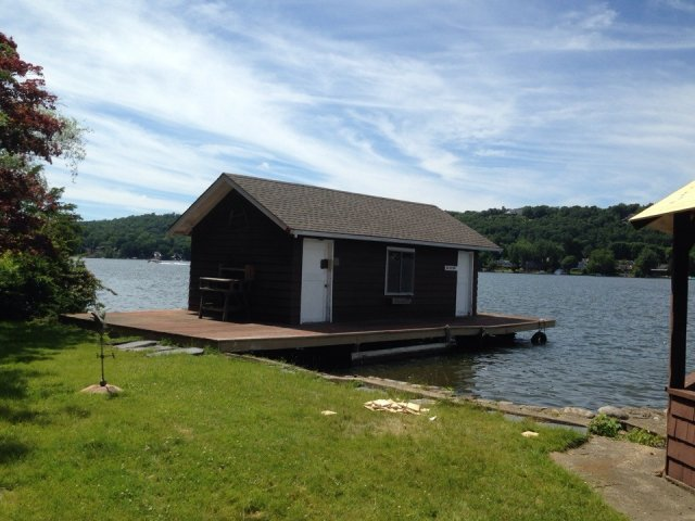 sparta-nj-lake-mohawk-boat-house
