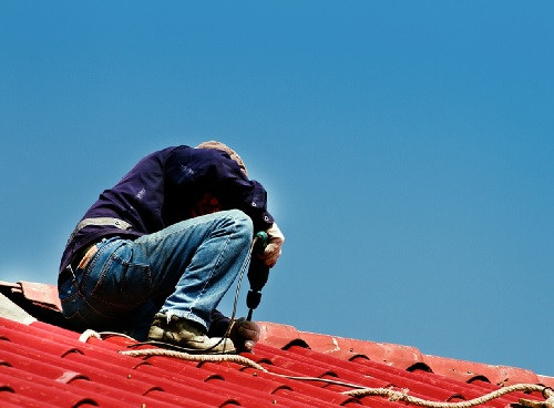 4 Important Questions to Ask Roofers Before Hiring Them