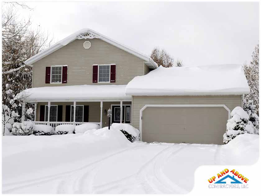 Winter Roof Maintenance: Mitigate Damage With These Tips